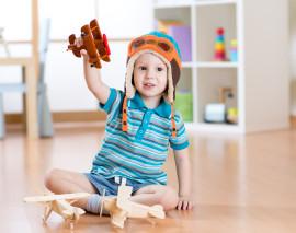 Dítě v bytě: Tipy pro bezpečné hraní i spaní