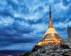 6 kultovních míst, kde byste měli strávit noc