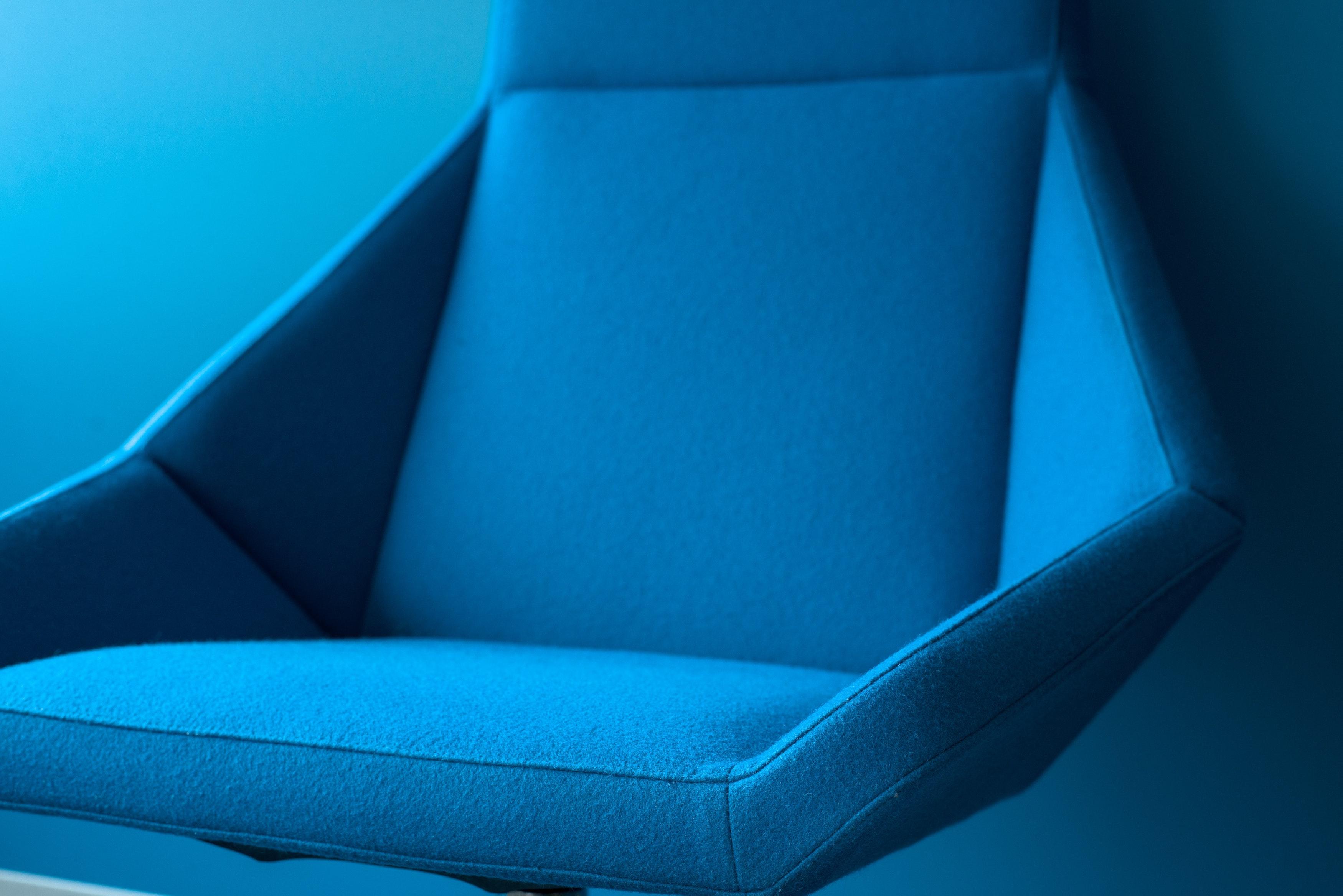 Retro křeslo: Designový skvost na relax i čtení