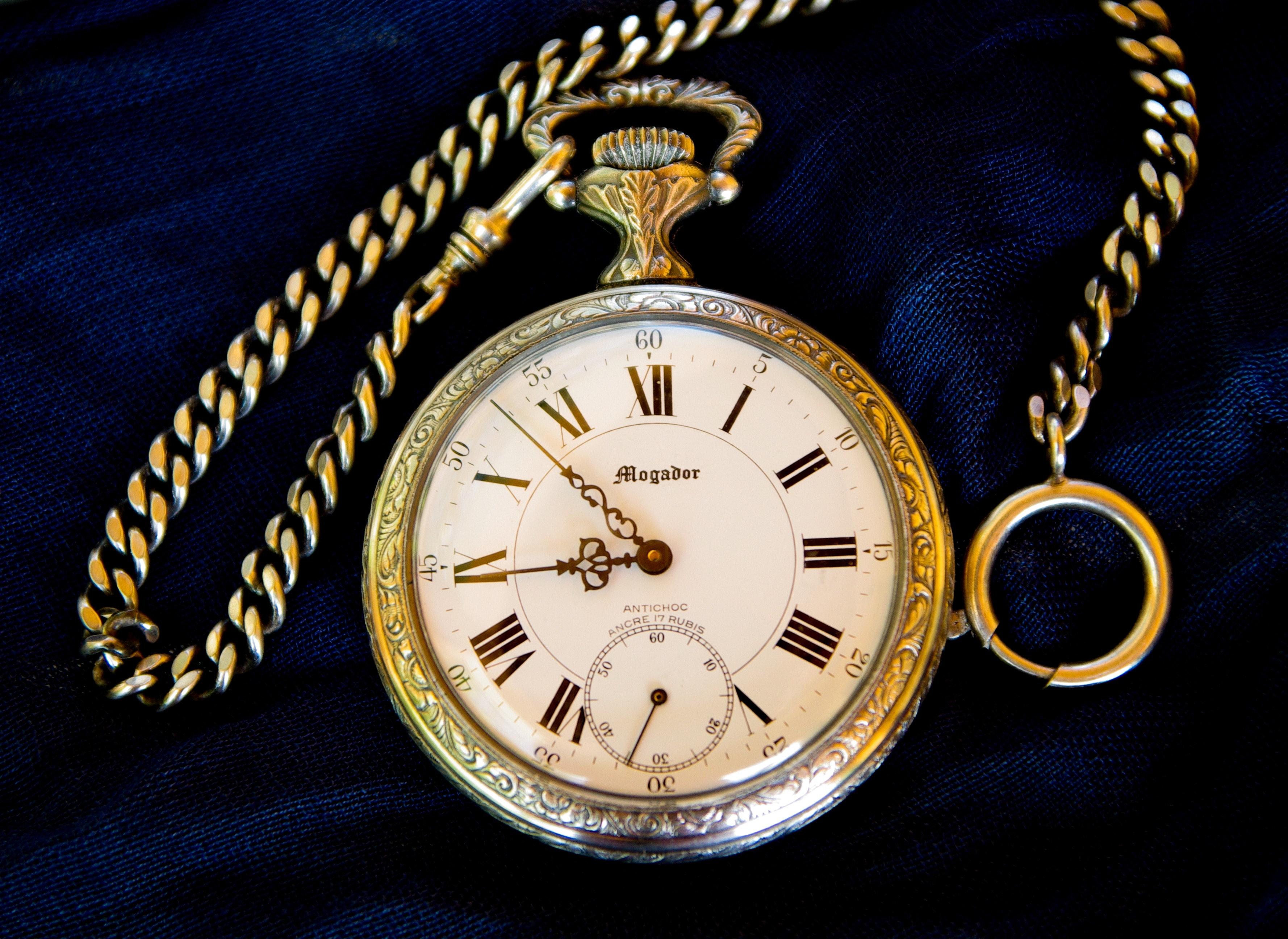Starožitné hodinky – historie a zajímavosti dárku s opravdovou hodnotou